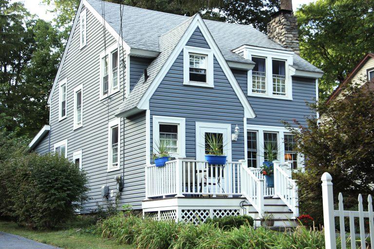 Poughkeepsie NY : The Dollhouse