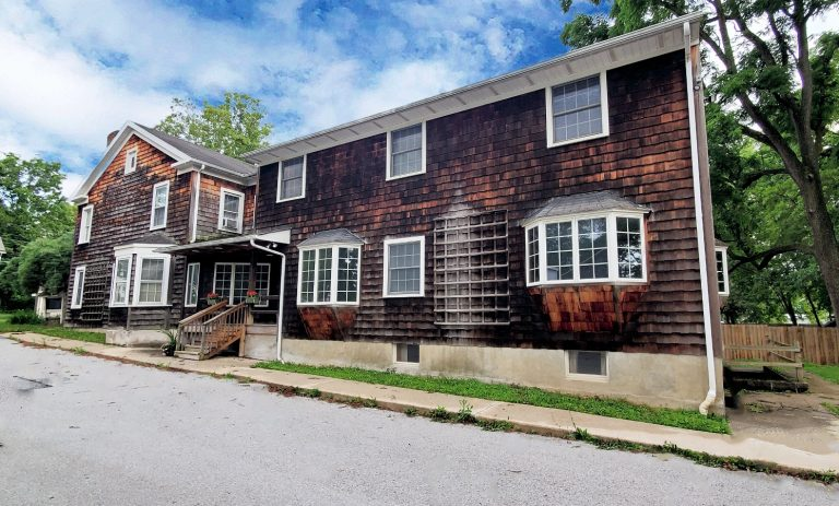 High Visibility 6000 SF Unique Office Building – Pleasant Valley NY