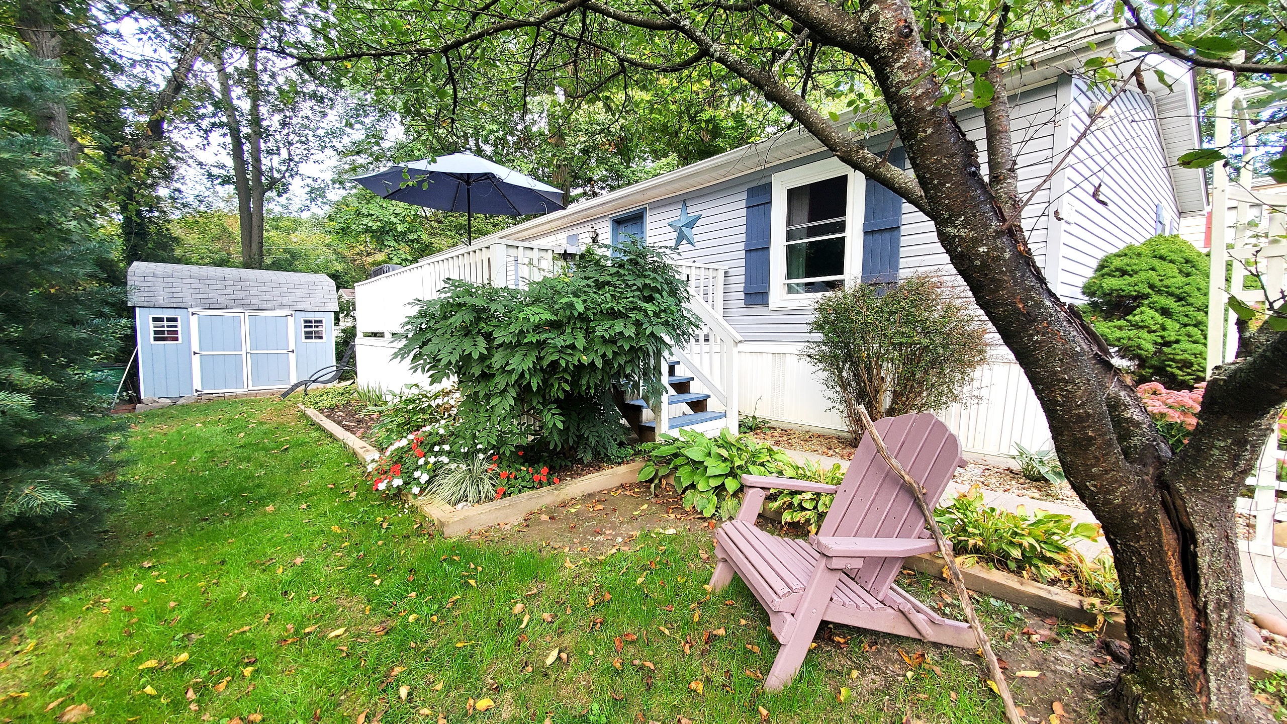 Manufactured Home in Wappingers Park with Creek View & Fishing